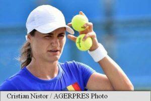 WTA Hobart International, 2nd round: Flipkens v Niculescu (03:00) 3