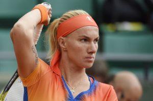 WTA Wimbledon, 2nd round: Makarova v Kuznetsova (11:30am) 1